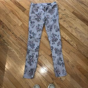 JLN Black Orchid Gray Floral Skinny Jean Size 28